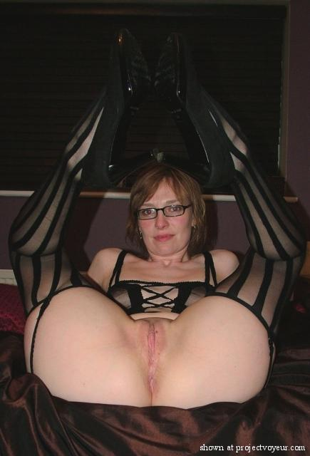 Mature ebony player